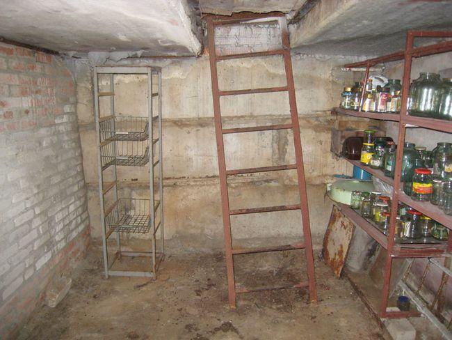 Фото - Устроиство системи вентиляції льоху в гаражі