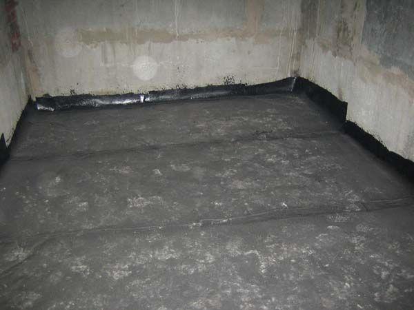 Фото - Пристрій стяжки в підвалі гаража