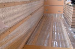 Як правильно утеплити балкон зсередини пенофолом