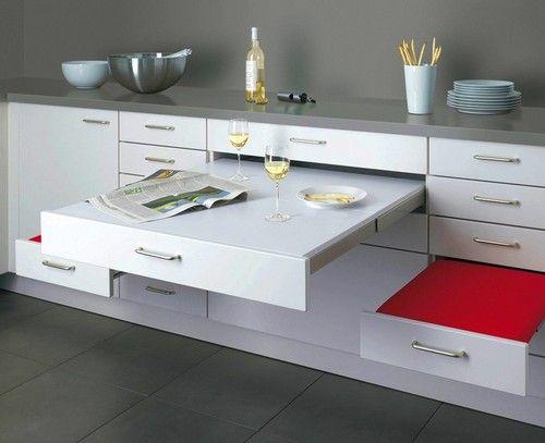 Висувний столик і стільці для маленької кухні