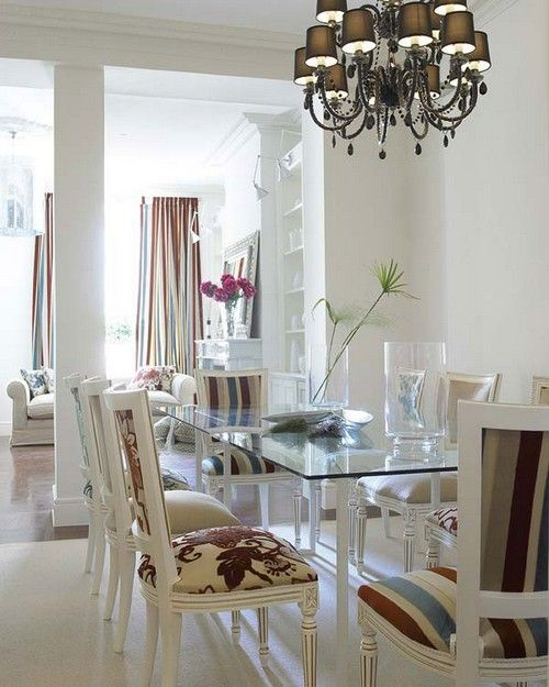 Скляний стіл для маленької кухні фото