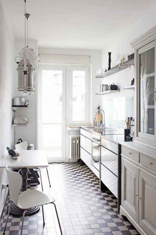 дизайн маленької вузької кухні фото