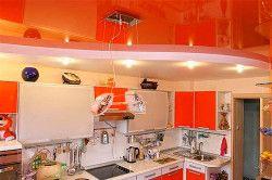 Зонування робочої зони кухні за допомогою стель