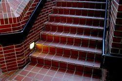 Оздоблення сходів керамічною плиткою