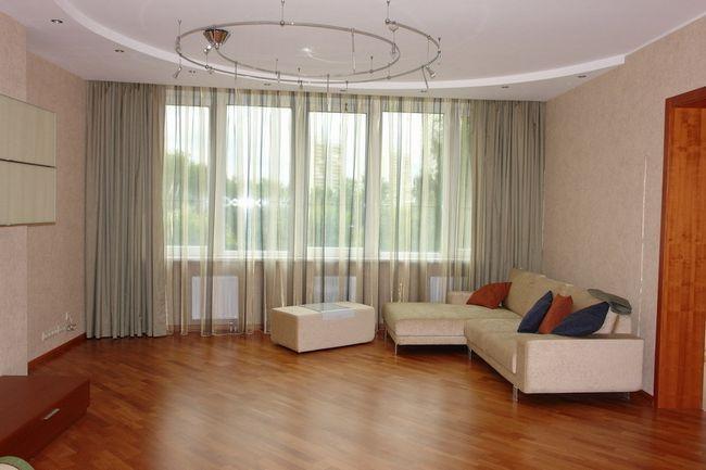Фото - Варіанти штор для вітальні: правила вибору