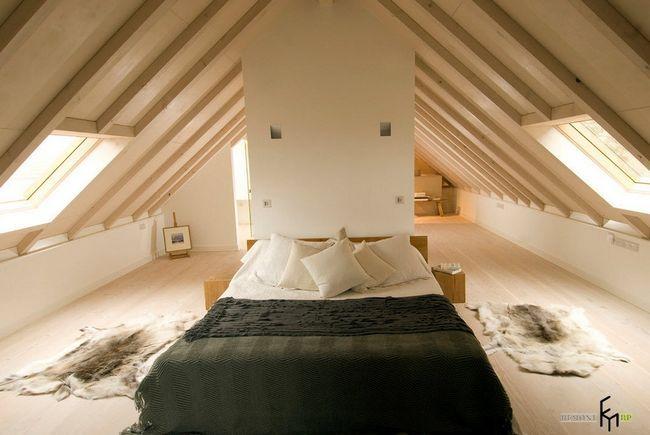 Фото - Надихаючі ідеї облаштування спальні на мансарді