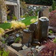 Якщо ділянка невелика, то і конструкція водоспаду не повинна ьить громіздкою