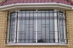 Безпека від зломів забезпечується віконним профілем.