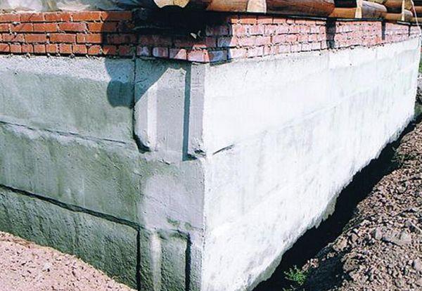 Фото - Виконуємо самостійно ремонт фундаменту цегляного будинку