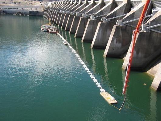 Фото - Заливка бетону в воді