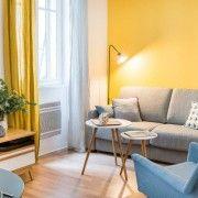 Жовті штори і жовті стіни